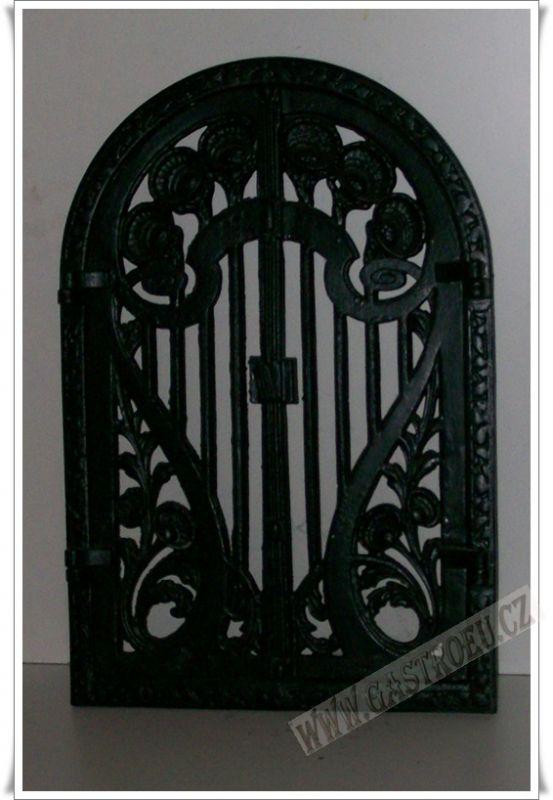 Krbové litinové ozdobné dveře AGA vzor 2